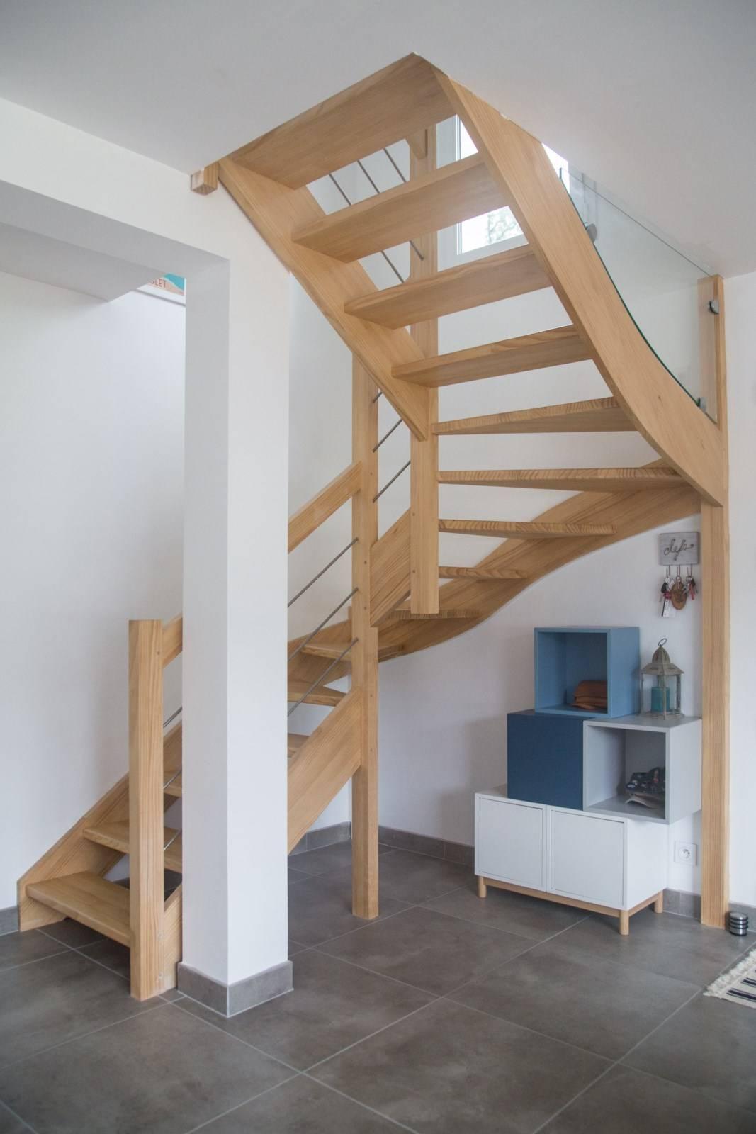 fabriquer un escalier bois rambarde m tal inox bayonne conception d 39 escaliers sur mesure. Black Bedroom Furniture Sets. Home Design Ideas