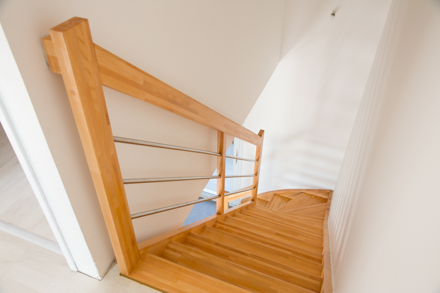 escalier bois 1 4 tournant inox labenne 40 vente d 39 escaliers et gardes corps en bois pays. Black Bedroom Furniture Sets. Home Design Ideas