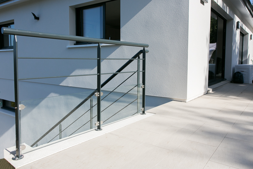 Garde corps metal ext rieur fabrication et pose vente d for Balustrade acier exterieur