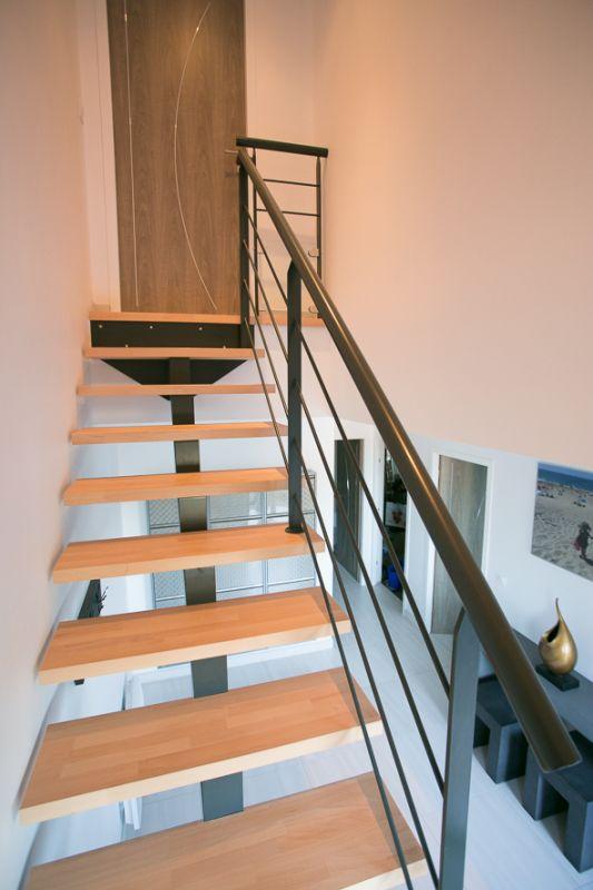 escalier 1 4 tournant limon central metal capbreton 40 vente d 39 escaliers et gardes corps. Black Bedroom Furniture Sets. Home Design Ideas