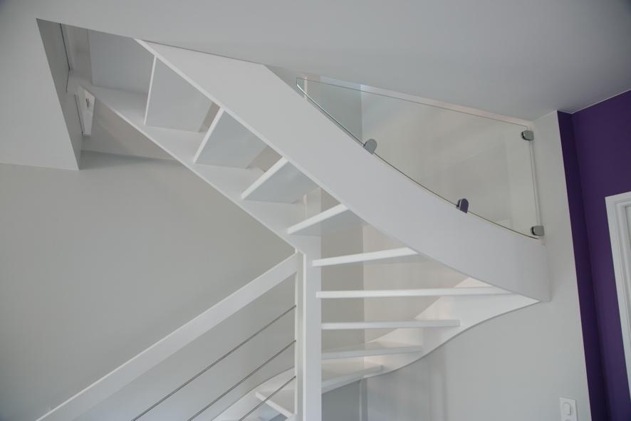 escalier bois 2 4 tournants inox tosse 40 conception d 39 escaliers sur mesure en pays basque. Black Bedroom Furniture Sets. Home Design Ideas