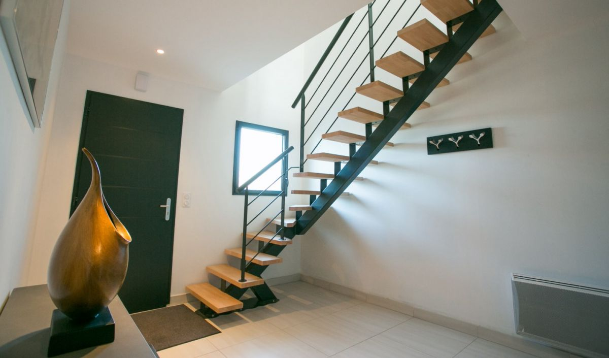 fabricant d 39 escalier bois et m tal moderne 64 conception. Black Bedroom Furniture Sets. Home Design Ideas