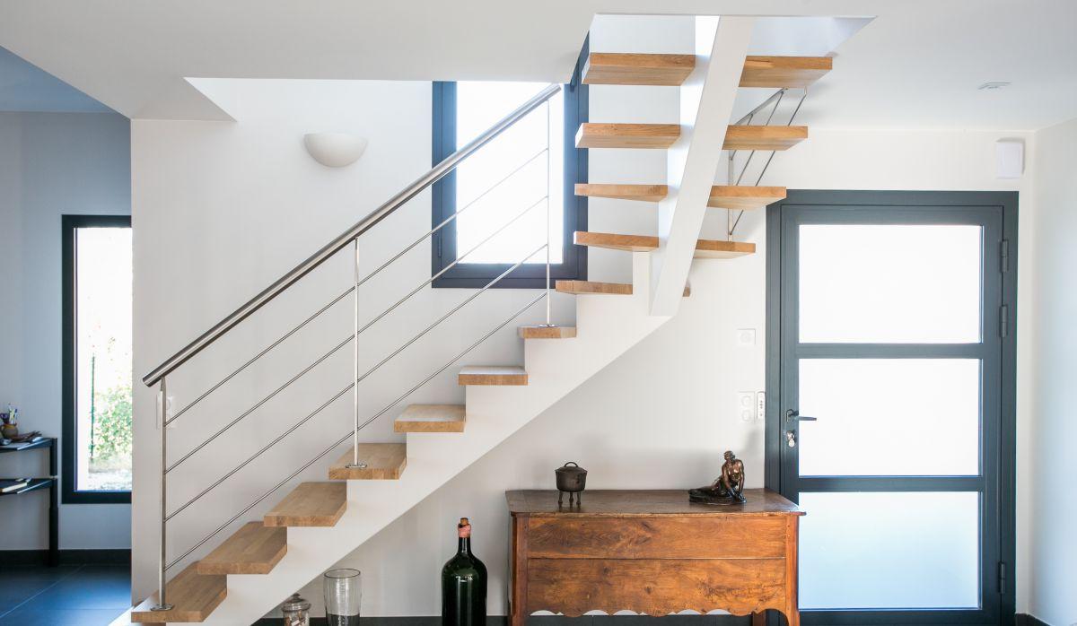 escalier design pour villa oc an soustons 40 conception d 39 escaliers sur mesure en pays. Black Bedroom Furniture Sets. Home Design Ideas