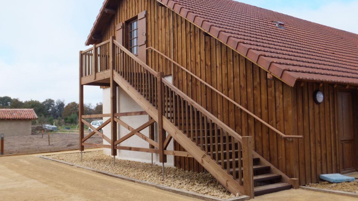 escalier bois exterieur droit conception d 39 escaliers sur. Black Bedroom Furniture Sets. Home Design Ideas