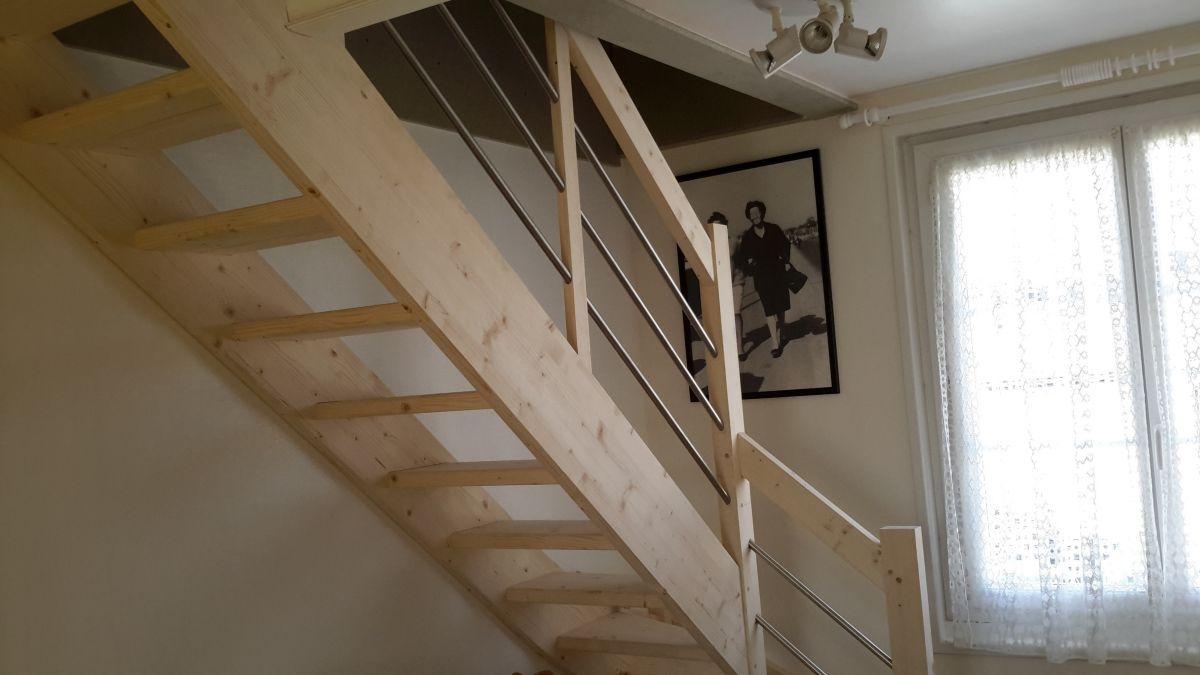 escalier moderne facile poser landes et pyr n es atlantiques conception d 39 escaliers sur. Black Bedroom Furniture Sets. Home Design Ideas