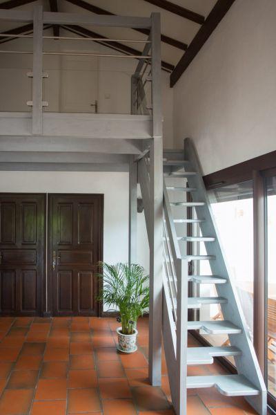 installation d 39 escaliers sur limons biarritz cote escalier. Black Bedroom Furniture Sets. Home Design Ideas