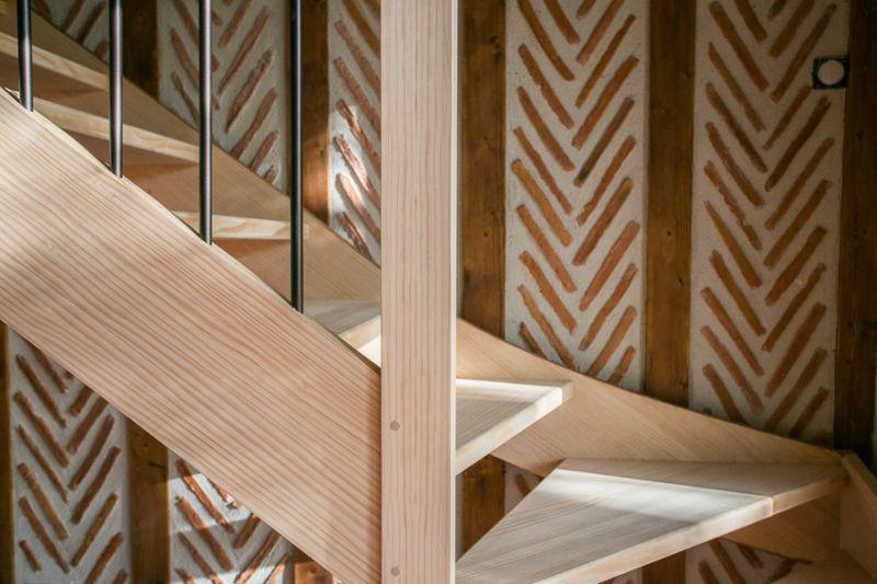 Escalier quart tournant bois balustres metal landes for Balustres bois exterieur