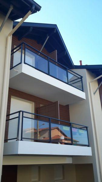 garde corps alu capbreton vente d 39 escaliers et gardes corps en bois pays basque cote escalier. Black Bedroom Furniture Sets. Home Design Ideas